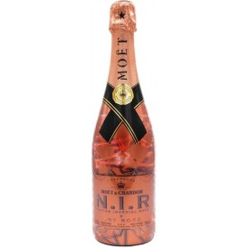 Champagne Moet Chandon...